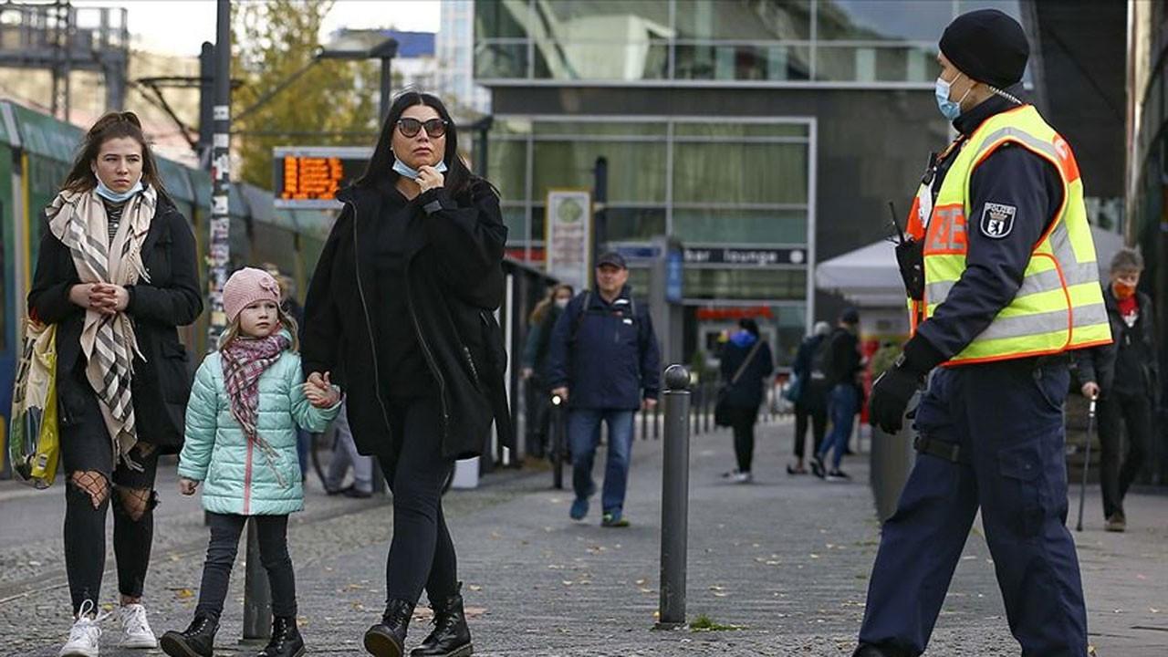 Almanya'da okullarda kıştan önce COVID-19 alarmı