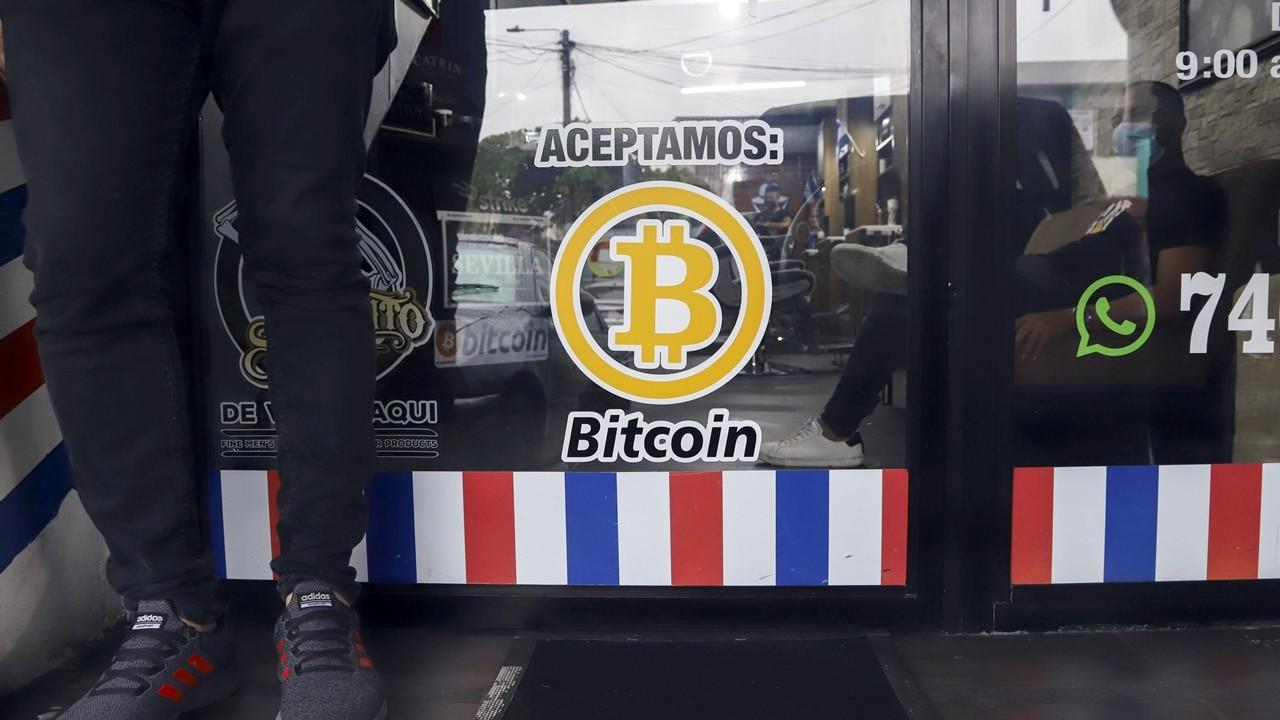 El Salvador, Bitcoin'deki krizi fırsata çevirdi