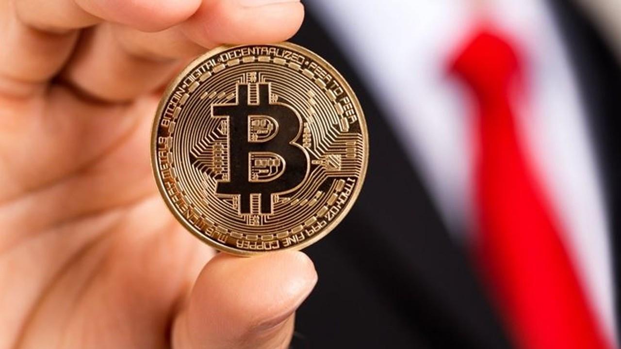 El Salvador'un hamlesi sonrası yoğun talep alan Bitcoin çakıldı
