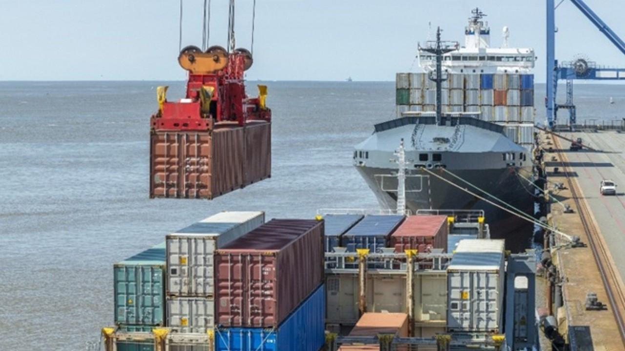 Elleçlenen yük ve konteyner miktarı ağustosta arttı