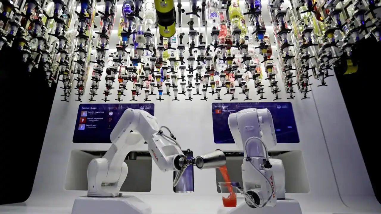 Fabrikalarda robotlarla maliyetleri düşürme yarışı