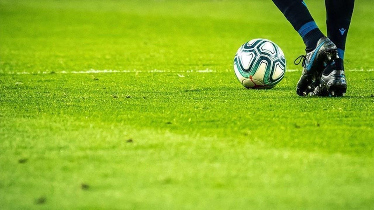 Galatasaray'ı bonservis, Fenerbahçe'yi yüksek futbolcu maaşları vuracak!