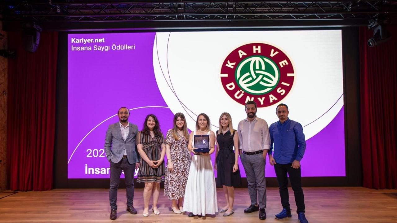 Kahve Dünyası'na İnsana Saygı Ödülü