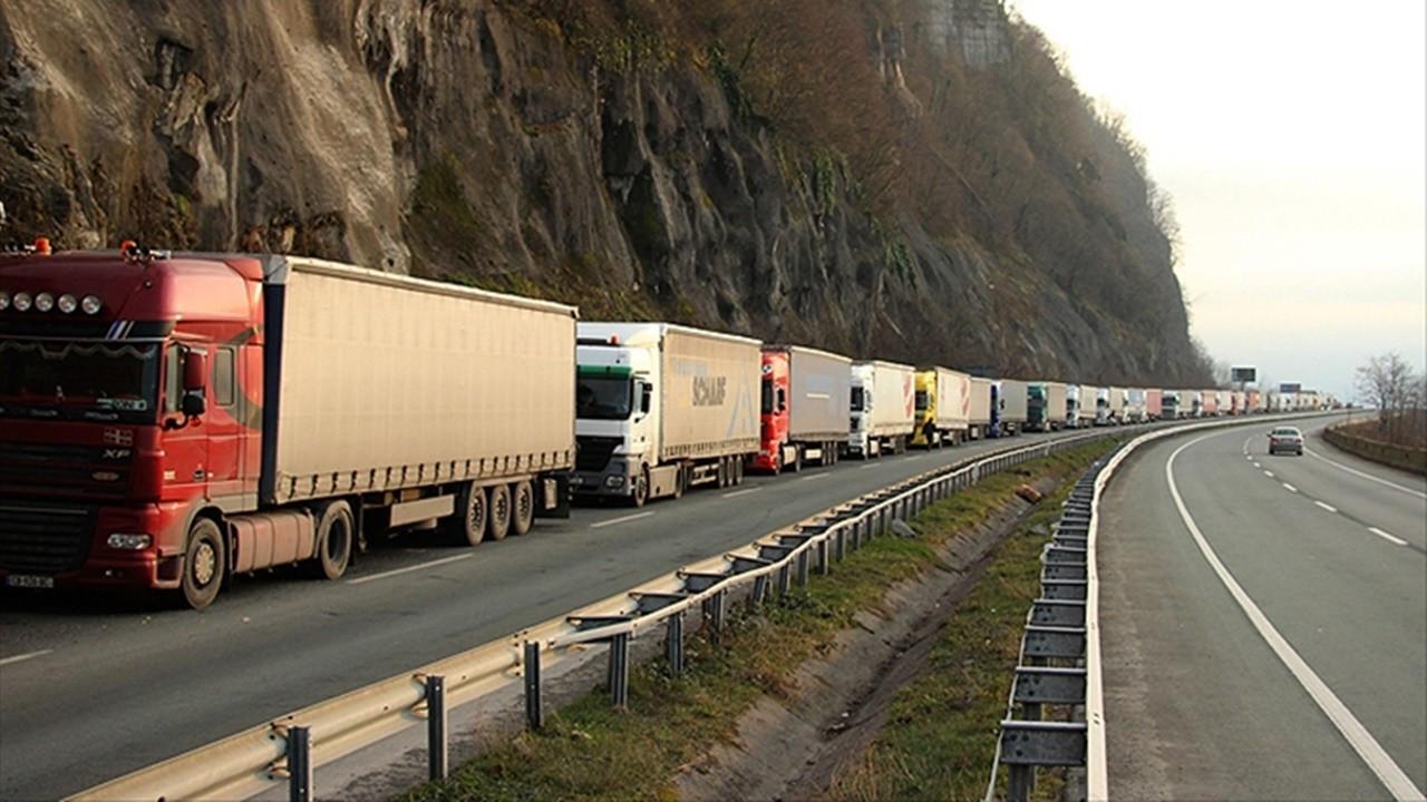 Kazakistan, Türkiye'ye 7 bin ilave transit geçiş belgesi verecek