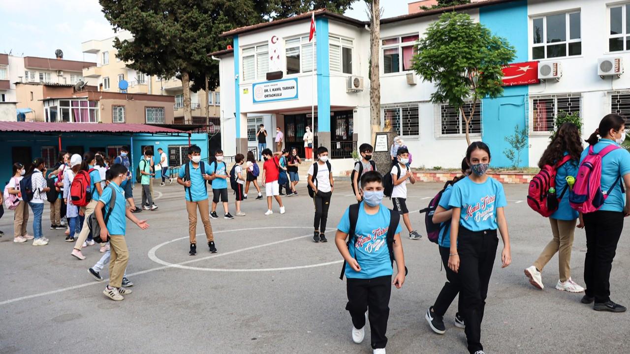 Okullar açıldı: Haftada 5 gün yüz yüze eğitim yeniden başladı
