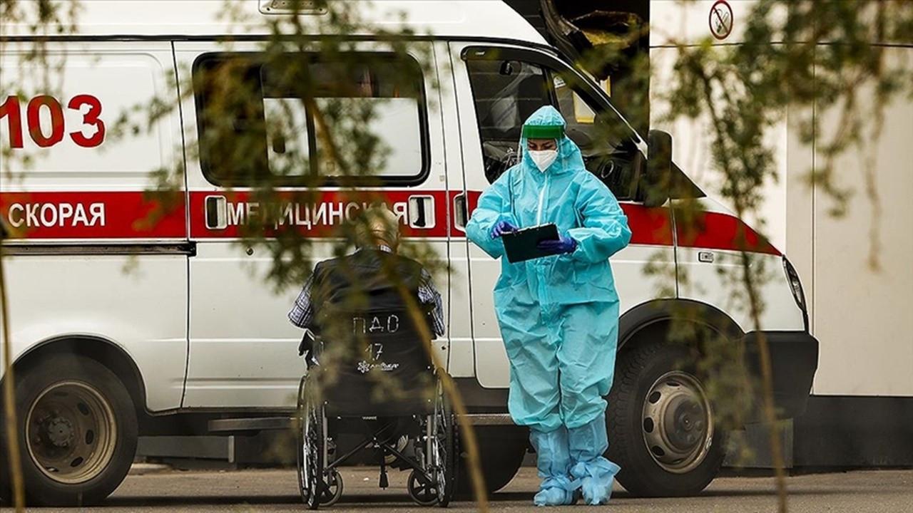 Rusya'da günlük COVID-19 can kaybında rekor: 1.000'i geçti