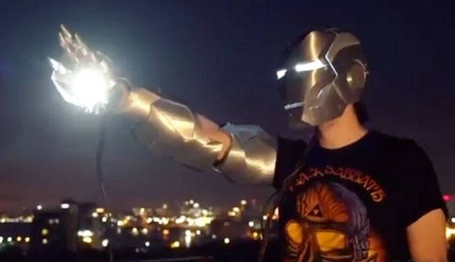 Türkiye'nin 'yerli Iron-Man'i: Yapay zeka ve sesli komutla çalışan zırh tasarladı